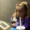 These 5 Steps Help Teach Your Children How to Call 911
