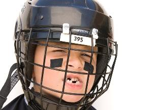 Springtime Sports: How to Handle Kids' Teeth Injuries