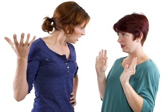 Two mothers arguing